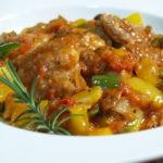 鶏肉のトマト煮 ビネガーが決め手のカチャトーラ(pollo alla cacciatora)
