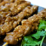 ラムの串焼きには薄切り肉がおすすめ!魚焼きグリルで作る羊肉串(ラムケバブ)中国東北料理 Chinese Xinjiang Lamb kebabs Skewers