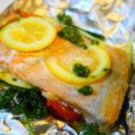 魚焼きグリルで作る「サーモンのレモンバターホイル焼き」