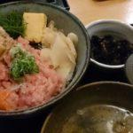 穴子ねぎとろサーモン丼 ランチ 新橋  魚屋 小次郎