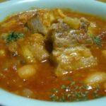 塩豚と白いんげん豆のトマト煮込み と ボジョレー・ヌーボー