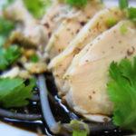 鶏むね肉で美味しい「よだれ鶏」(口水鶏) ~四川風鶏肉のピリ辛ダレ~レシピ