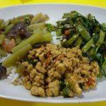 タイ屋台料理 惣菜3種オンザライス(MBK)