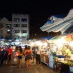 パタヤ ブッカオ常設市場 パッタイとチキンケバブを持ち帰り 2016/9月タイ旅行