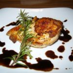 マリネして作る鶏ムネ肉のソテー バルサミコソース