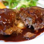 牛肉 肩ロースステーキ肉を使った牛肉ハンバーグ