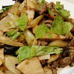 料理 牛肉とセロリの豆鼓(トウチ)炒め