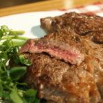 赤身オージービーフのステーキ