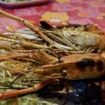 今年もパタヤで美味いグン・パオ(オニテナガエビの炭火焼)を「カオトム・プラジャバーン」激しい夕立でお店から帰れず