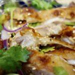 ナンプラーとパクチー香る!パリッと鶏肉と茄子のタイ風サラダ