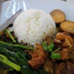 カオカムー、グリーンカレー デンダム食堂(DEN DAM Restrant) セントラルパタヤ通り パタヤ 2015/9月タイ旅行
