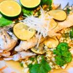 宮崎産柑橘「へべす」香るタイ蒸し魚料理「プラー・ヌン・マナオ」