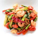 唐辛子と黒胡椒の辛さがクセになるタイの激辛焼きそば「センレック・パッキーマオ」