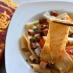 カルディ(KALDI)で買えるビャンビャン麺 辛さ増しと野菜トッピングでより美味しく